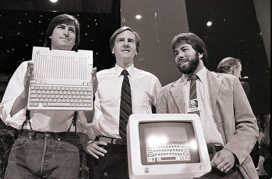 24 April 1984 - Steve Jobs et Steve Wozniak avec John Sculley le PDG d'Apple