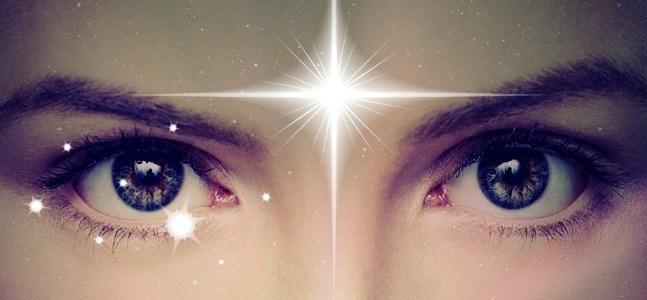 12 choses bizarres qui se passent quand votre troisième œil s'ouvre par accident (activation de la glande pinéale)