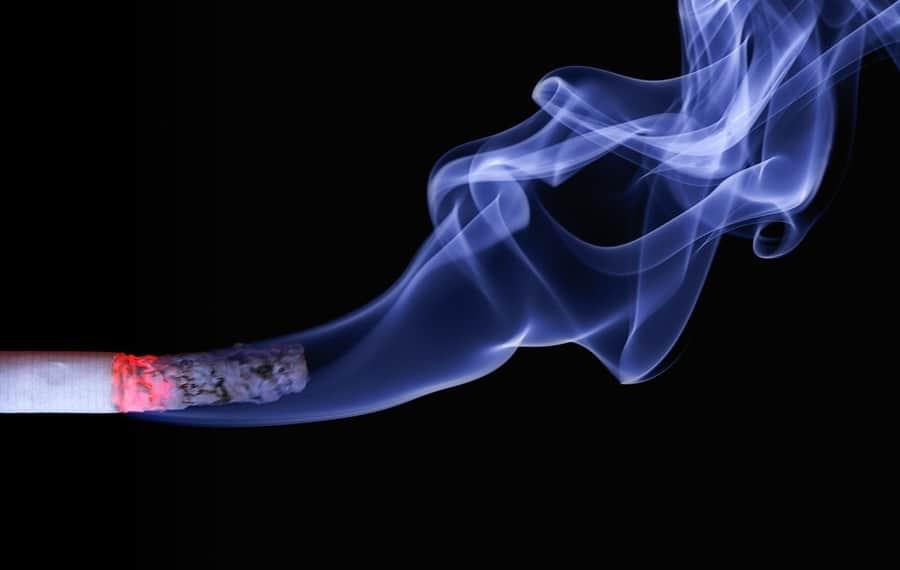Comment arrêter de fumer en 2 étapes avec la PNL (cela va vous prendre 5 secondes!)