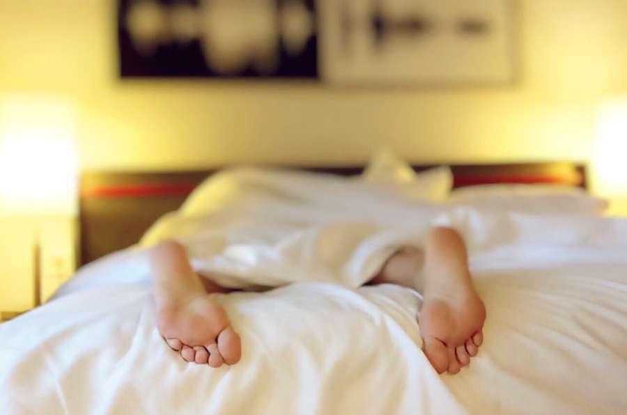 Dormir « au froid » vous aide à vous endormir plus rapidement et élimine le stress